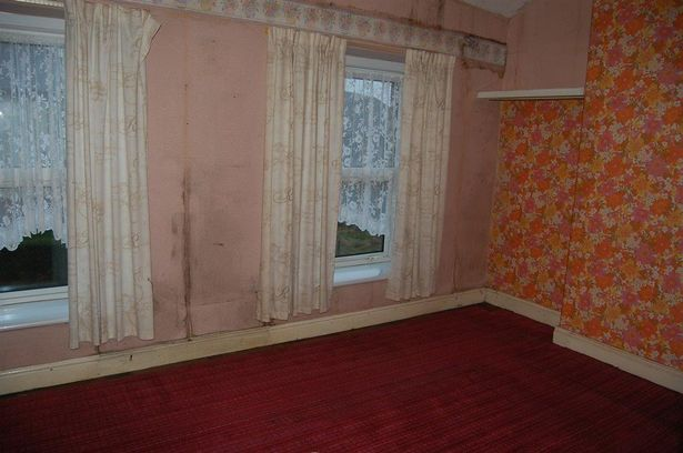 3 bedroom house in Bargoed for sale auction wales 2016 bedroom