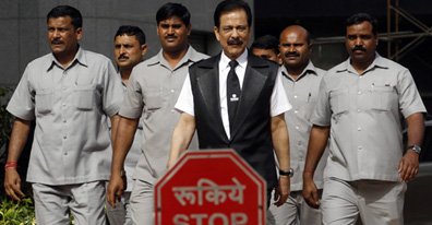 Sahara group listed scrips slip after Subrata Roy's arrest